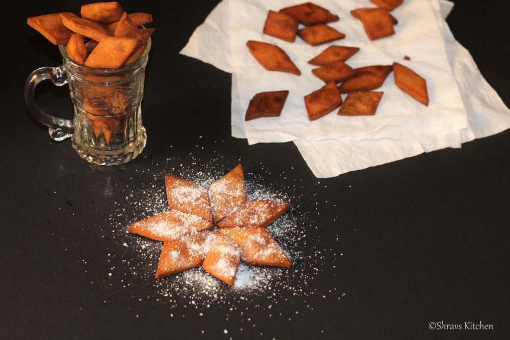 wheat shakarpara / sweet diamond biscuits