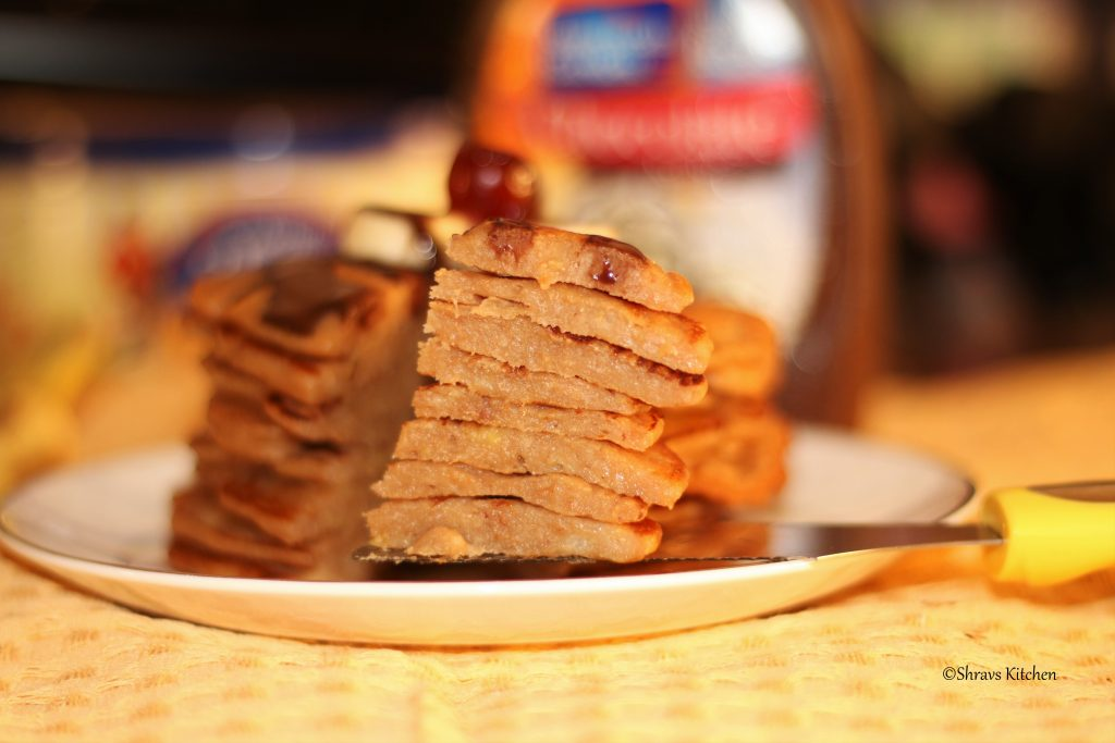 Banana pancakes / banana recipe / chocolate pancakes