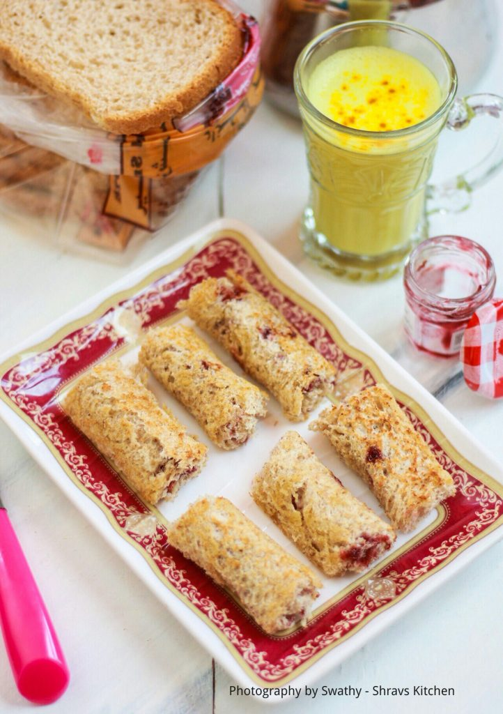 french toast jam roll ups