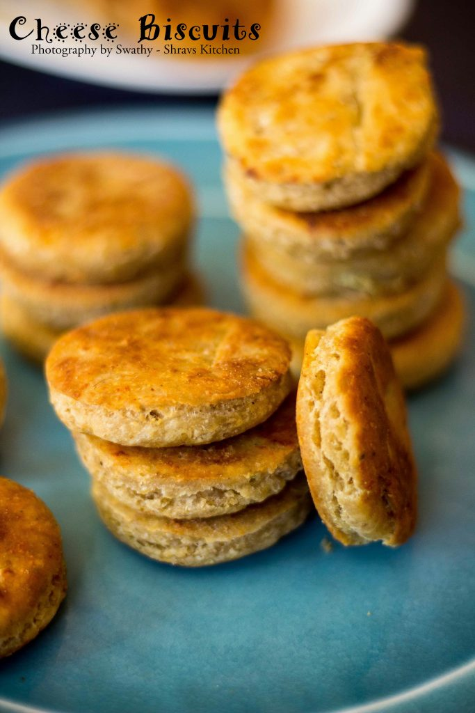 cheese biscuits / eggless cheese biscuits on tawa / jeera biscuits without oven